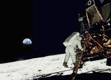 11Buzz Aldrin-Apollo-11