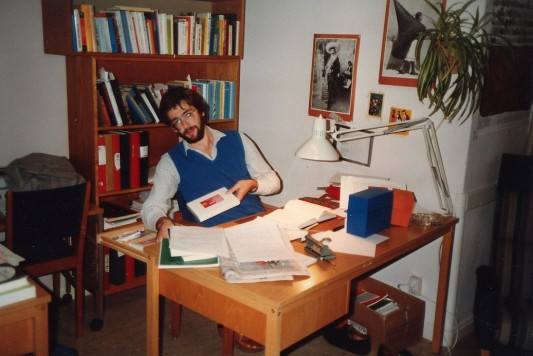 Anders Florén, alltför tidigt föf, i vårt gemensamma rum under taknocken på gamla Historicum.